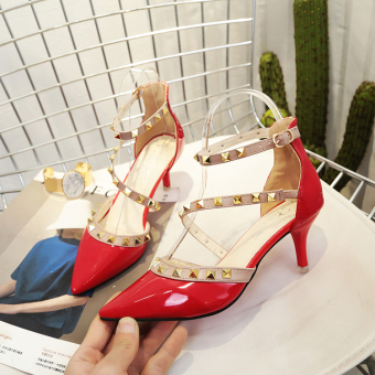 Korean-style word buckle thin heeled pointed porous high-heeled shoes riveted sandals (Red)
