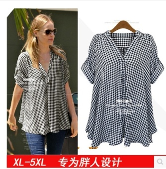 Plus female v-neck plaid shirt