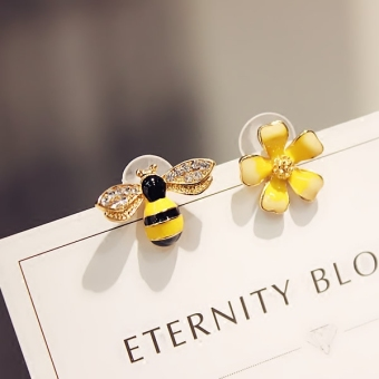 Elf earrings Korean temperament Cool 925 needles earrings soft sister not symmetrical flowers earrings bee ear jewelry