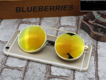 Retro Vintage Round Flip Up Sunglasses Circle Clip On Sunglasses Metal Sun Glasses----Golden,red