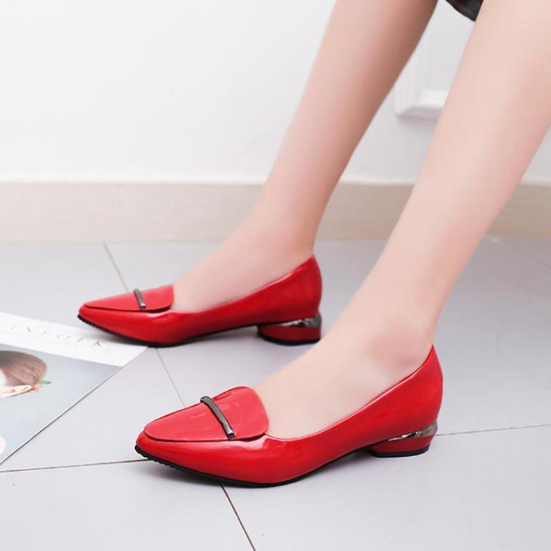 Mùa Hè Mẫu Mới Mũi Nông Đế Bằng Giày Giầy Nữ Màu Đỏ Giày Nhỏ Lớp Da Bóng Đế Bằng Màu Đen Đầu Nhọn Giày Công Sở Giày Thuyền giá rẻ