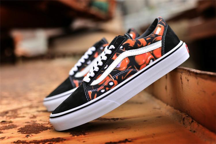 Vans Asli Sepatu Skate Hitam Putih Diskon Wanita Putih X Vans Sk8-Hi 38 28002004dc