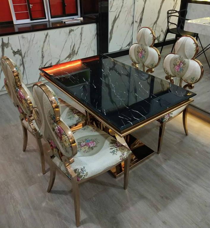 Mable table with rose gold chair