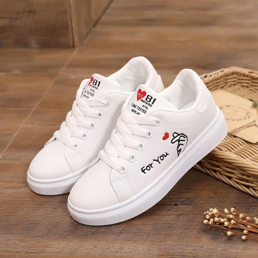 Musim gugur model baru sepatu wanita Sepatu Kulit Sepatu kanvas murid remaja  dalam . 584f643fd8