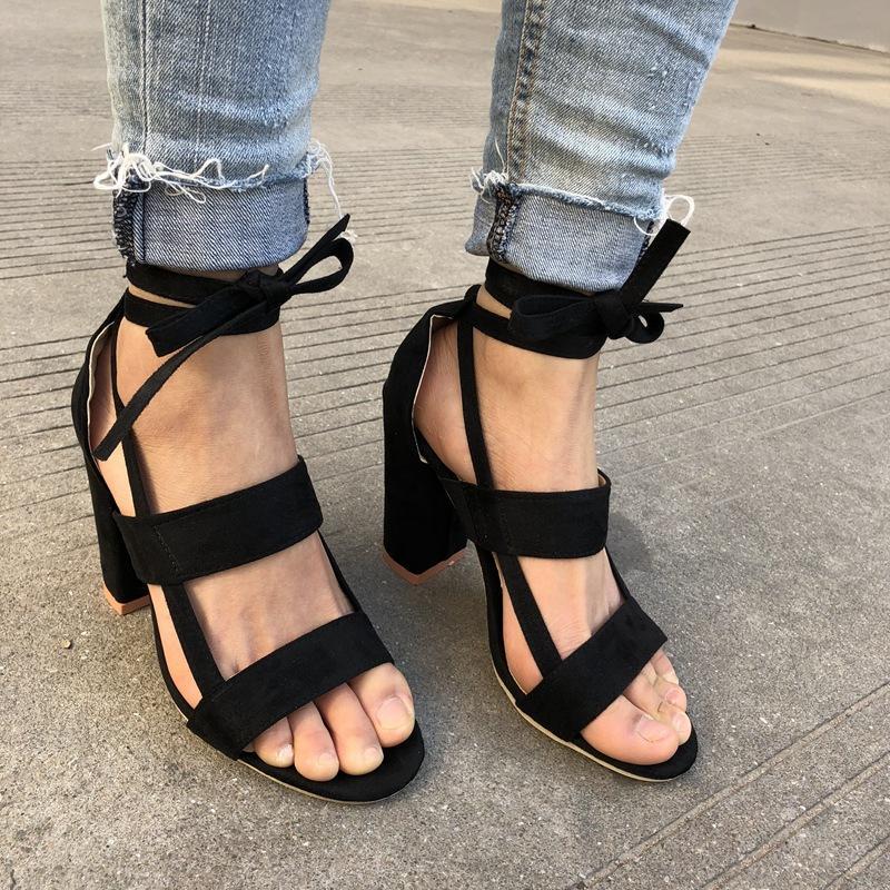 Ukuran Besar Wanita Tali Pergelangan Kaki Kumpulan Sepatu Hak Tinggi Sepatu Gladiator BERENDA Tebal Tumit Fashion Hollow Wanita Sepatu Pumps Pesta Pernikahan-Intl