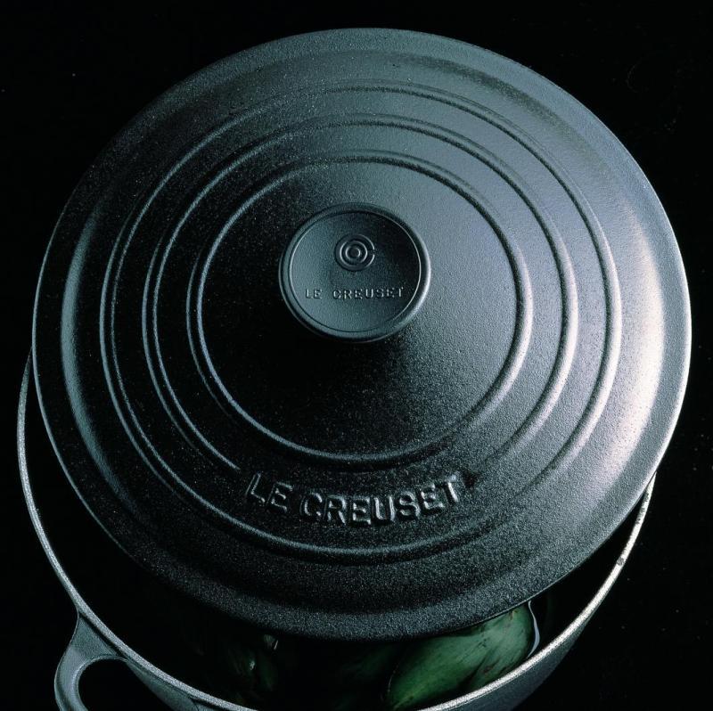 Le Creuset Cast Iron Round French Oven 20cm, Classic (Matt Black) - Online Exclusive Singapore