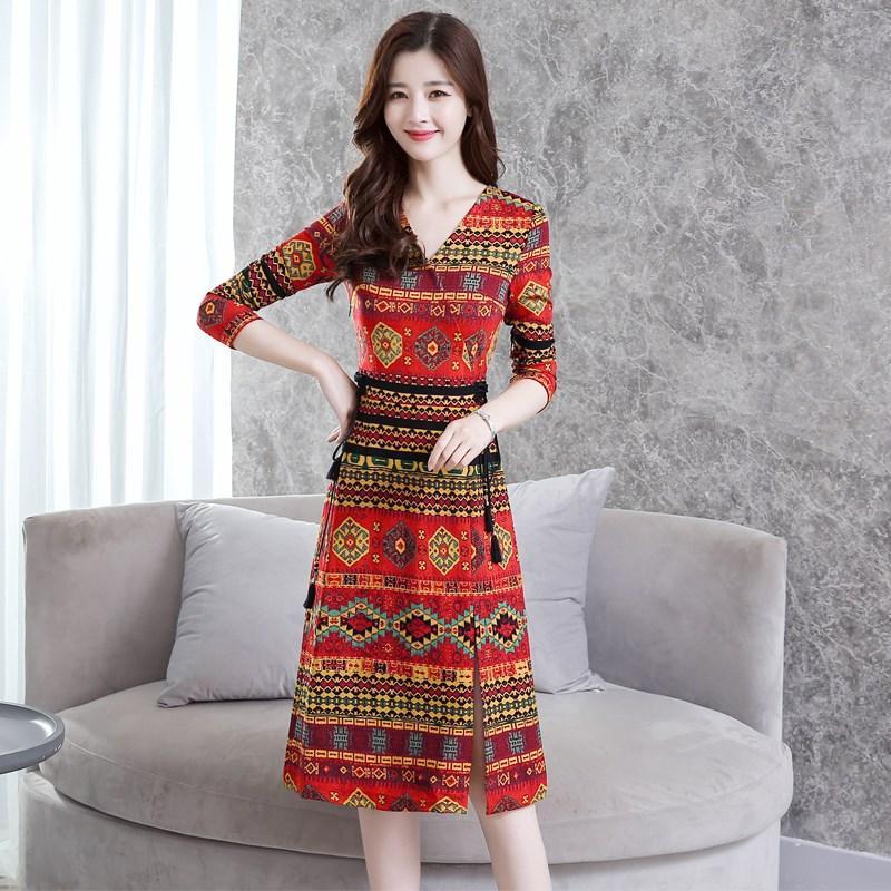 Gaun perempuan 2018 busana musim gugur model baru ukuran besar baju wanita Terlihat Langsing Retro bersablon