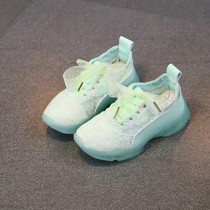 Sepatu olahraga anak-anak 2018 sepatu gadis musim panas baru putih di anak-anak besar versi Korea dari renda sepatu kasual generasi Putih