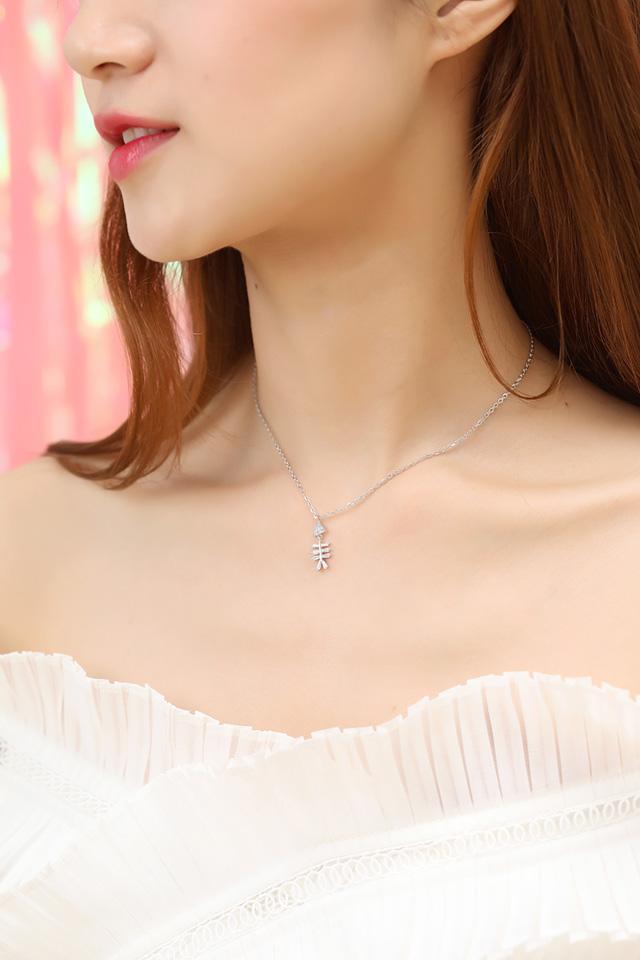... Peach Source · Didampingi perhiasan perak tulang Ikan kristal kalung klavikula perempuan rantai leher perhiasan perempuan 925 sterling silver