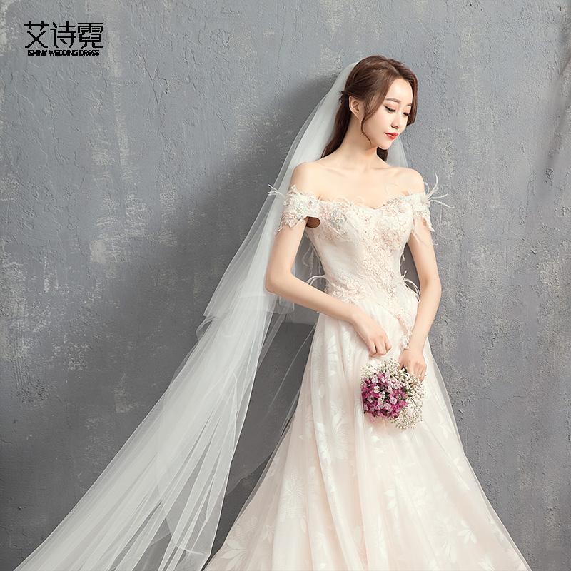Gaun pengantin 2018 model baru Bulu model bahu terbuka Model Korea berekor panjang minimalis Putri gaya hutan Mimpi kelopak pengantin wanita Gaun Malam musim panas