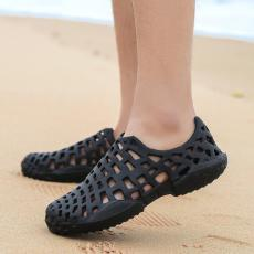 Pasangan sepatu dayung sepatu berlubang musim panas pria Sandal pantai Ringan Anti Selip tepi pantai sendal