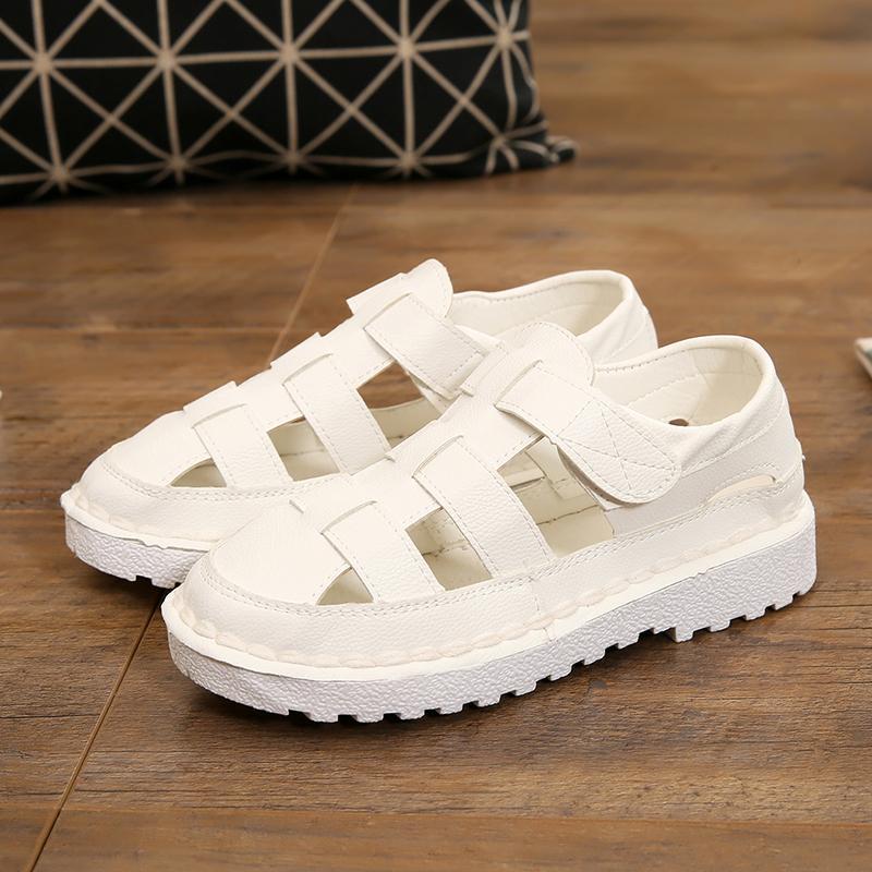 Sepatu Putih Gaya Korea dari Sandal Musim Panas Wanita Musim Panas Baru