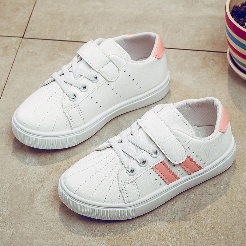 Sepatu Sneaker Warna Putih-Laki Laki Sepatu Putih Kecil Casual Berlari