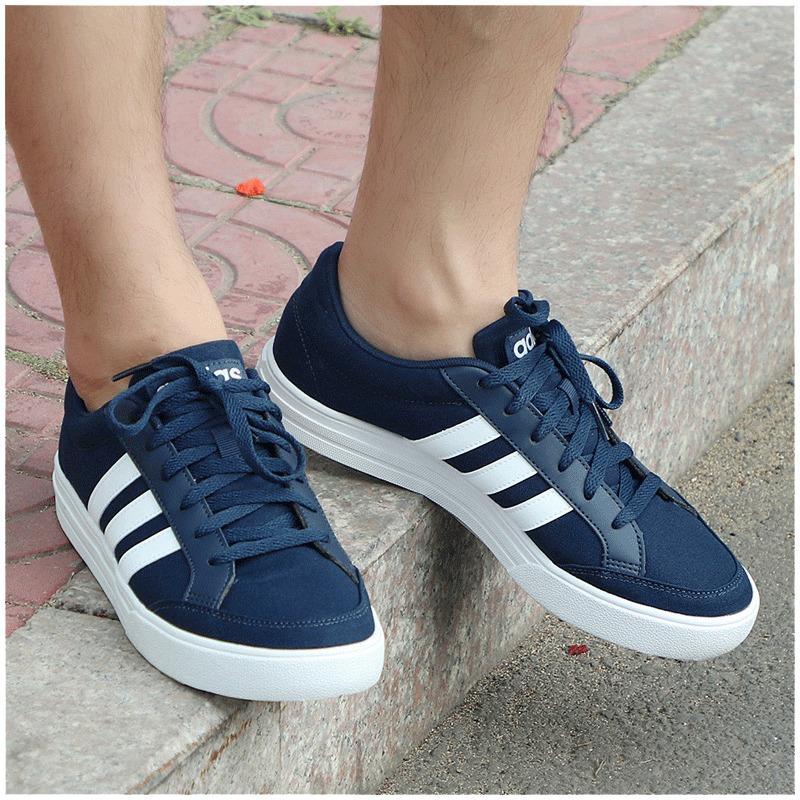 Adidas Adidas sepatu pria 2019 model baru musim semi sepatu olahraga rendah  tahan banting sepatu sneaker aef0ea4cc8