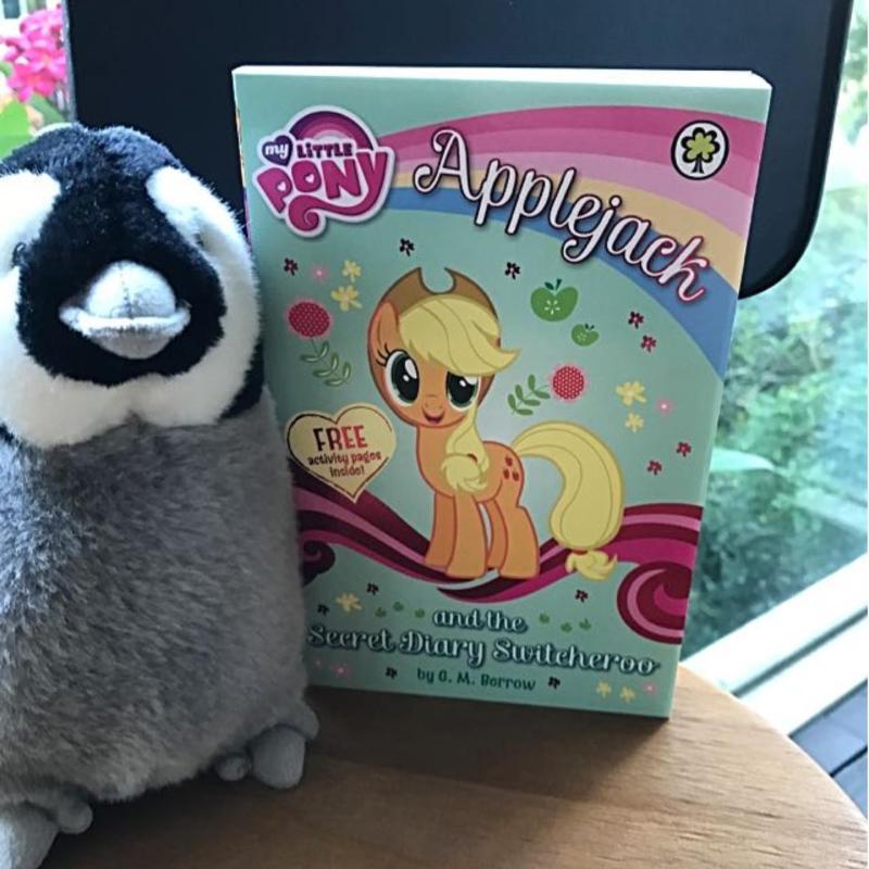 My Little Pony Book Series - Applejack and the Secret Diary Switcheroo