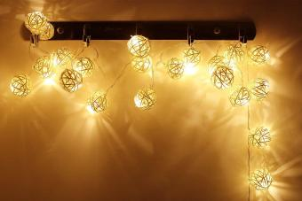 Harga 16ft Length 40 Balls Battery Powered Rattan Ball LED Decorative String Light,Warm White - intl
