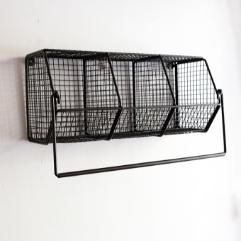 Nordic retro wrought iron mesh wall hangers storage rack