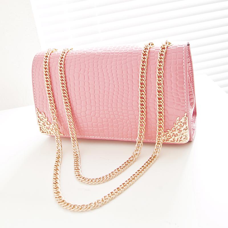 2017 korean version of the candy spring and summer small bag vintage crocodile pattern handbag chain bag ladies shoulder bag diagonal package (Crocodile pattern pink)