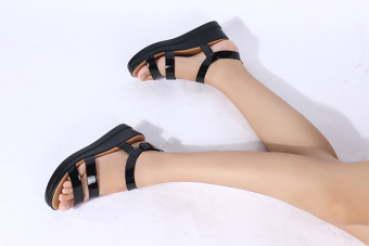 Harga Female Flat sandals Roman style Thick bottom sandals(BLACK)