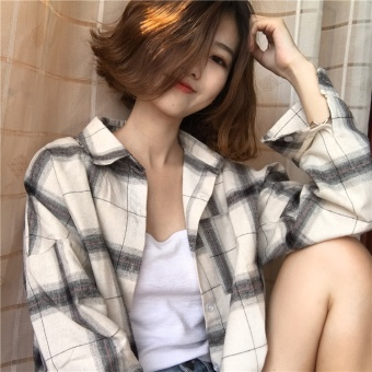 Korea ulzzang long section loose plaid cardigan shirt autumn anddress BF wind Harajuku shirt jacket Female Students (White Grid)