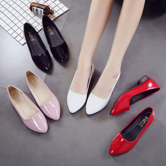 Korean-style patent leather spring and pointed black leather shoes (White)