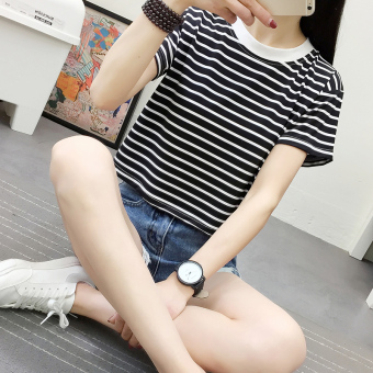 Loose Korean-style T-shirt student on the horizontal striped bottoming shirt (No lace black []) (No lace black [])
