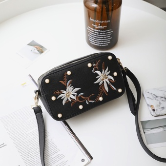 Small Square embroidered bag casual women's bag (Black)