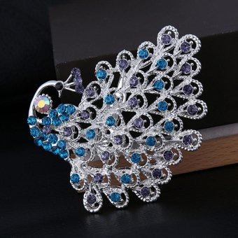 Harga Fashion Silver Rhinestone Crystal Brooches Peacock Brooch Pin - intl